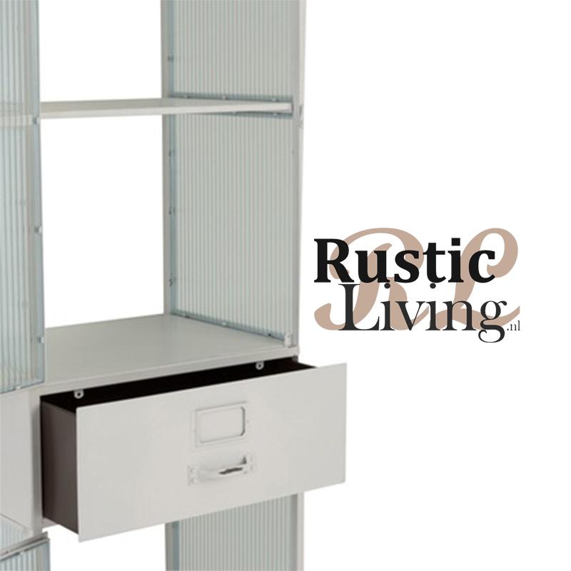Kast hoog wit metaal geribbeld glas 2 deuren 1 lade